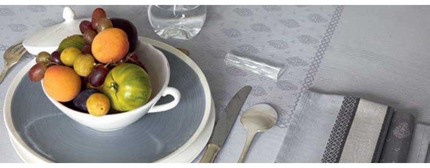Unique, fine home linens from Provence for table decoration or dining