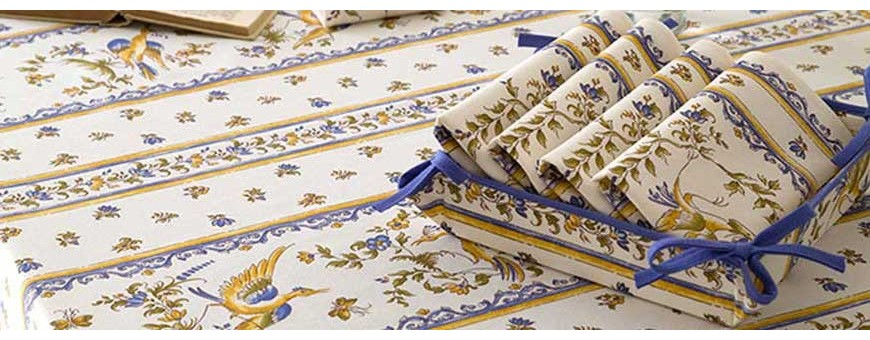 Match tablecloth and napkins with wonderful patterns from Provence !