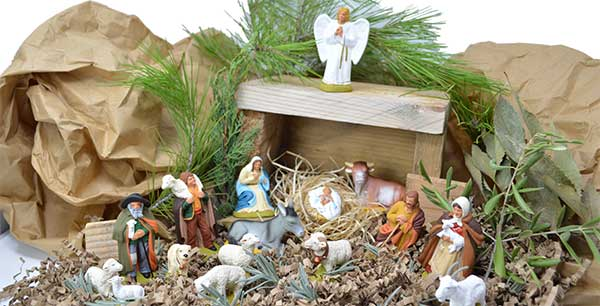 how to create a Christmas crib