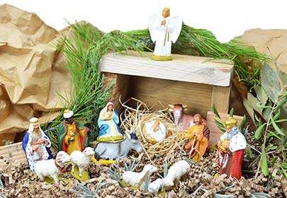 Santons figurines of Provence: the art and tradition of the Provencal Christmas crib